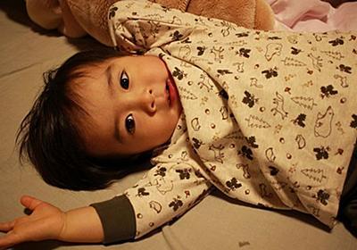 オムツを履いているのにおしっこが漏れるのはなぜ!?【2歳児の夜間尿漏れ対策】 - 絵描きパパの育児実験記ロクLABO