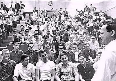 『ファインマン物理学』の名講義のオーディオが公開されている - とね日記