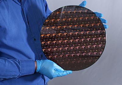 IBM、世界初の2nm半導体技術を発表 バッテリー寿命は7nmの4倍 - ITmedia NEWS